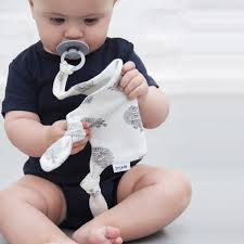 tétine bébé