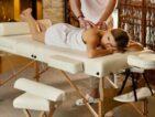 Table de massage en bois ou en aluminium