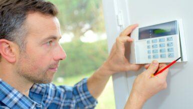 Comment installer une alarme maison - image